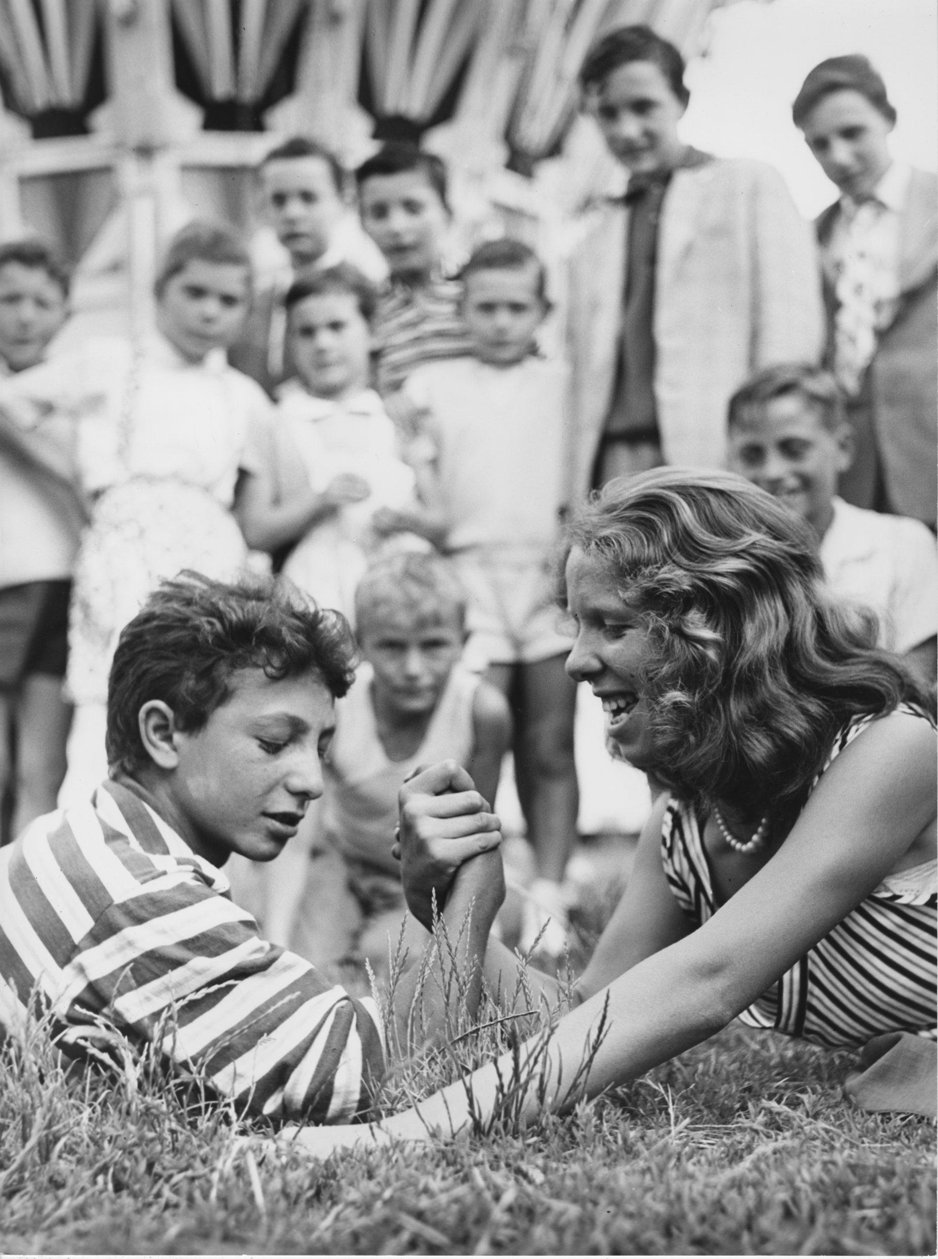 02_Mario Cattaneo, dalla serie Luna Park, 1955 - 1963 © Museo di Fotografia Contemporanea